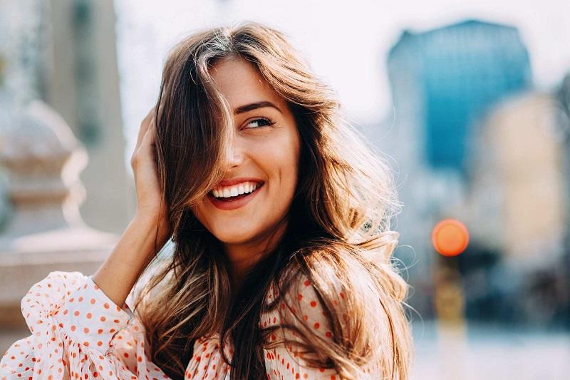 Chăm sóc tóc bằng bia có tác dụng gì? 8 cách gội đầu bằng bia để trị gàu, trị nấm và mọc tóc nhanh