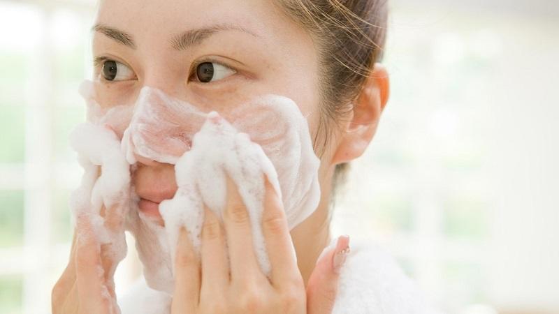 Sữa rửa mặt Hatomugi dưỡng ẩm và làm sáng da (Tuýp 170g)-1