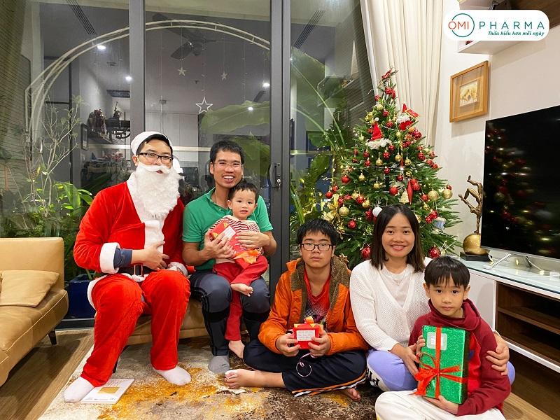 Omi Pharma gửi trao những món quà ý nghĩa cho đêm Giáng sinh an lành