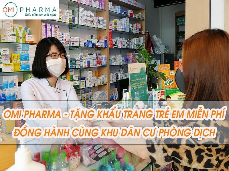 Omi Pharma tặng 300 hộp khẩu trang Ohki Virus OFF cho trẻ em - Đồng hành cùng cộng đồng cư dân chống dịch