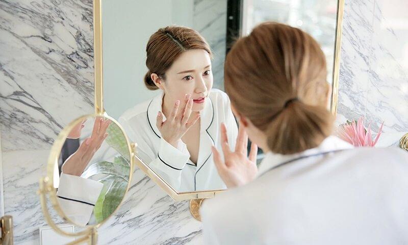 [hƯỚng dẪn] sau khi nặn mụn có nên skincare không? các bước skincare sau khi nặn mụn