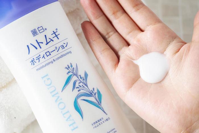 Sữa dưỡng thể làm sáng da Hatomugi Nhật Bản (Chai 250g)-5