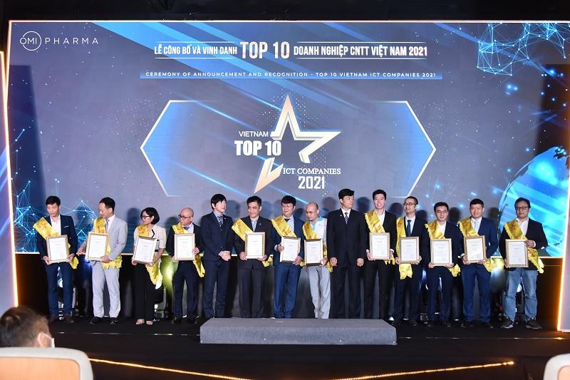 """Tự hào Ominext Group được vinh danh """"Top 10 Doanh nghiệp Medtech 2021""""-1"""